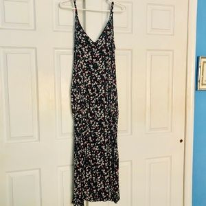 Dresses & Skirts - Floral print maxi dress